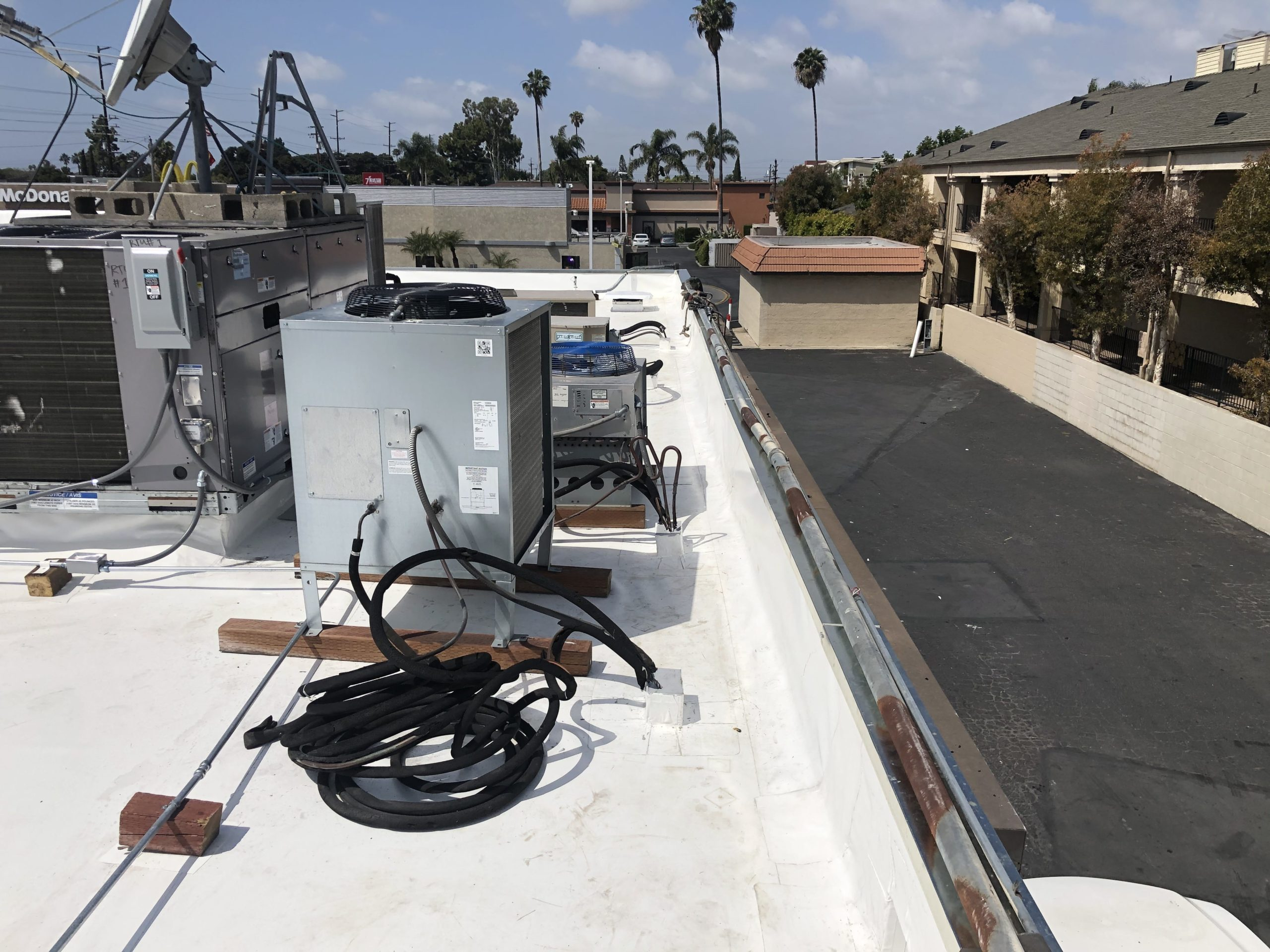 A Los Angeles building's new cool roof