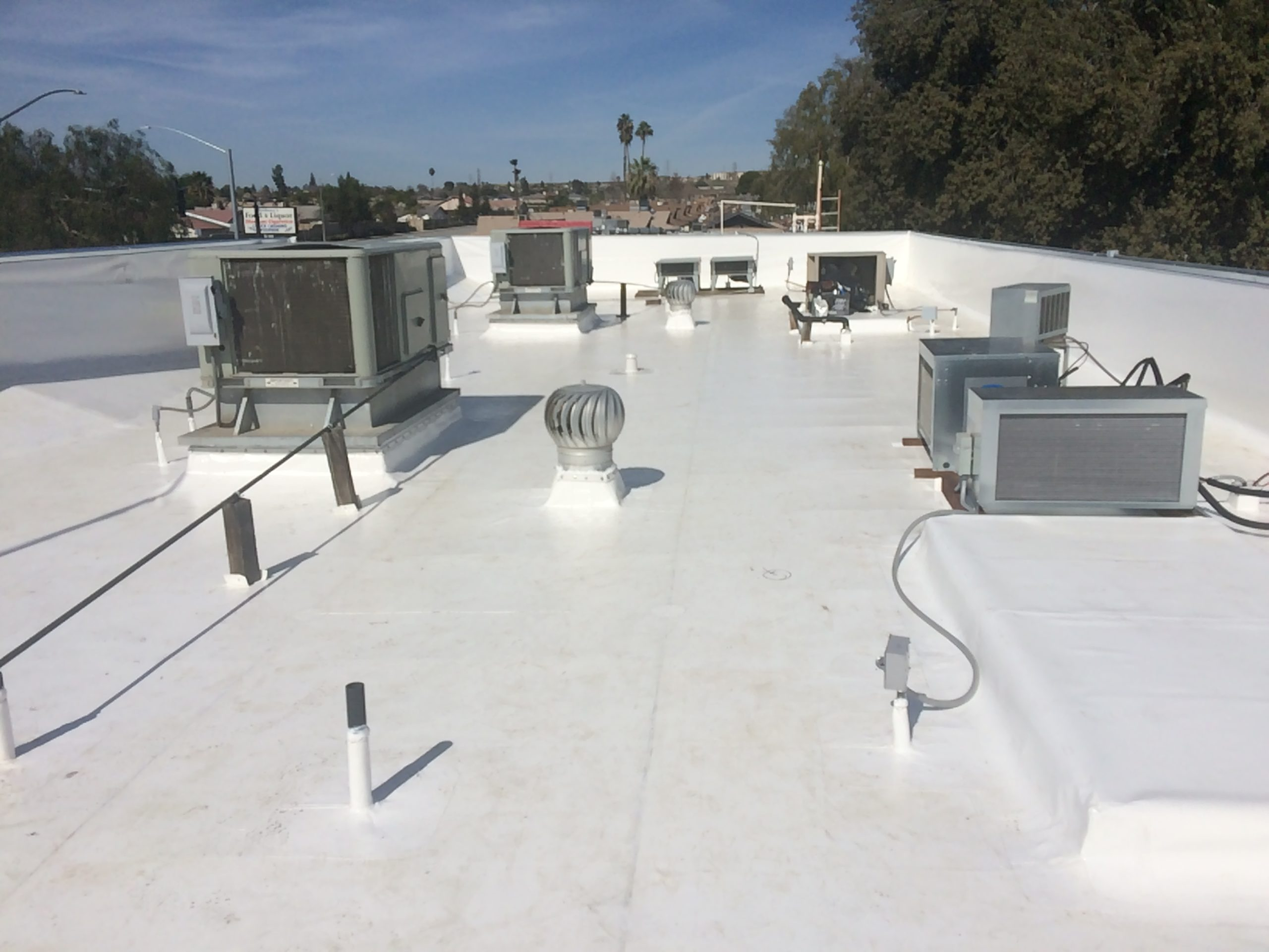 A Los Angeles building's white roof